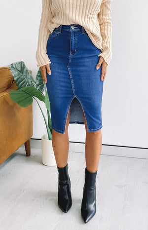 https://files.beginningboutique.com.au/20200327-Wisteria+Longer+Line+Denim+Skirt+Blue.mp4