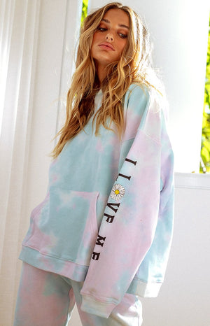 https://files.beginningboutique.com.au/20200708+-+Aspen+Hoodie+Cloud+Tie+Dye+CANP-20-390-TD-CLOUD.mp4
