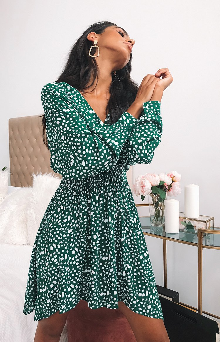 https://files.beginningboutique.com.au/Marie+Long+Sleeve+Dress+Green+.mp4