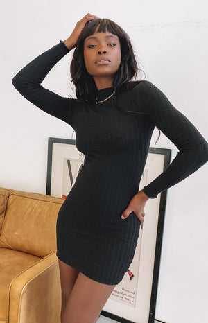 https://files.beginningboutique.com.au/20200529-Kaira+Dress+Black.mp4