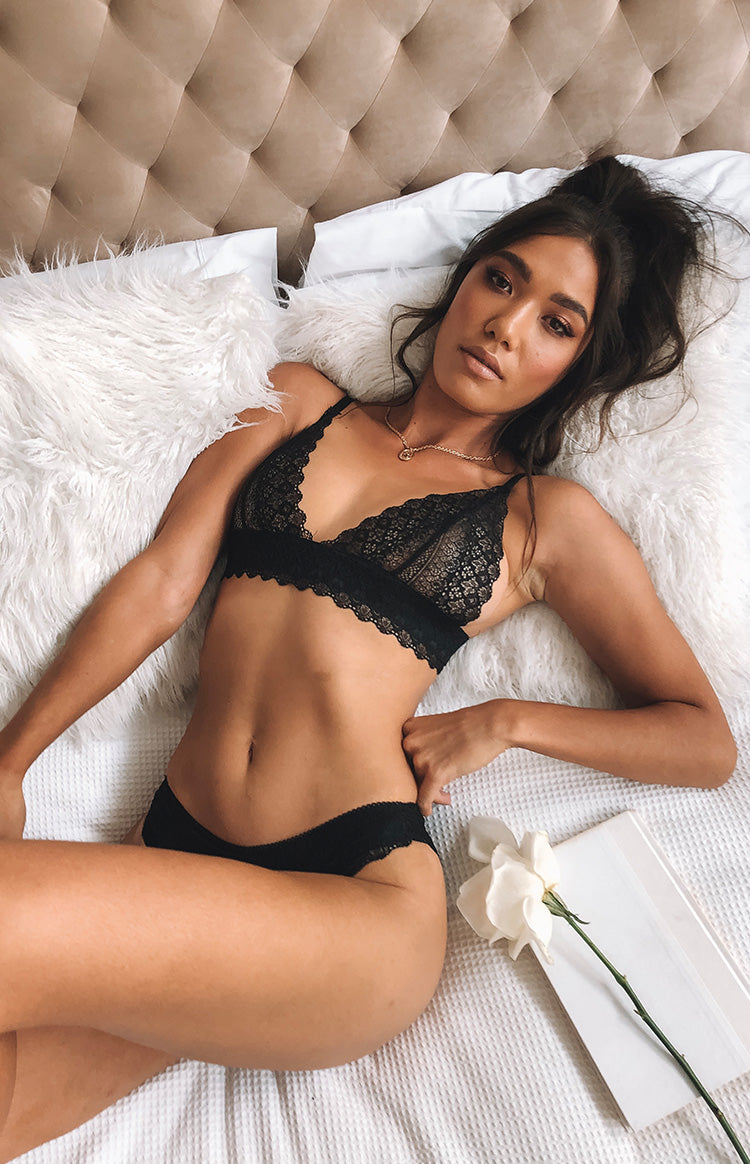 https://files.beginningboutique.com.au/Love+Actually+Lingerie+Two+Piece+Set+Black.mp4
