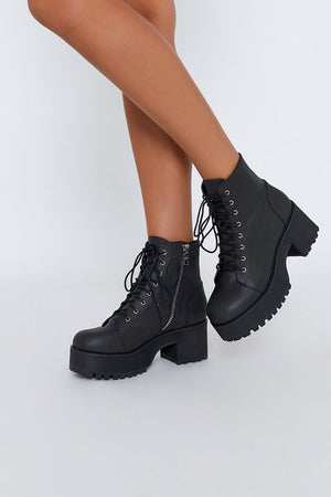 Current Mood Raven Boots Black