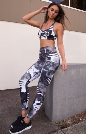 Aim'n Bold Spirit Tights Black and White