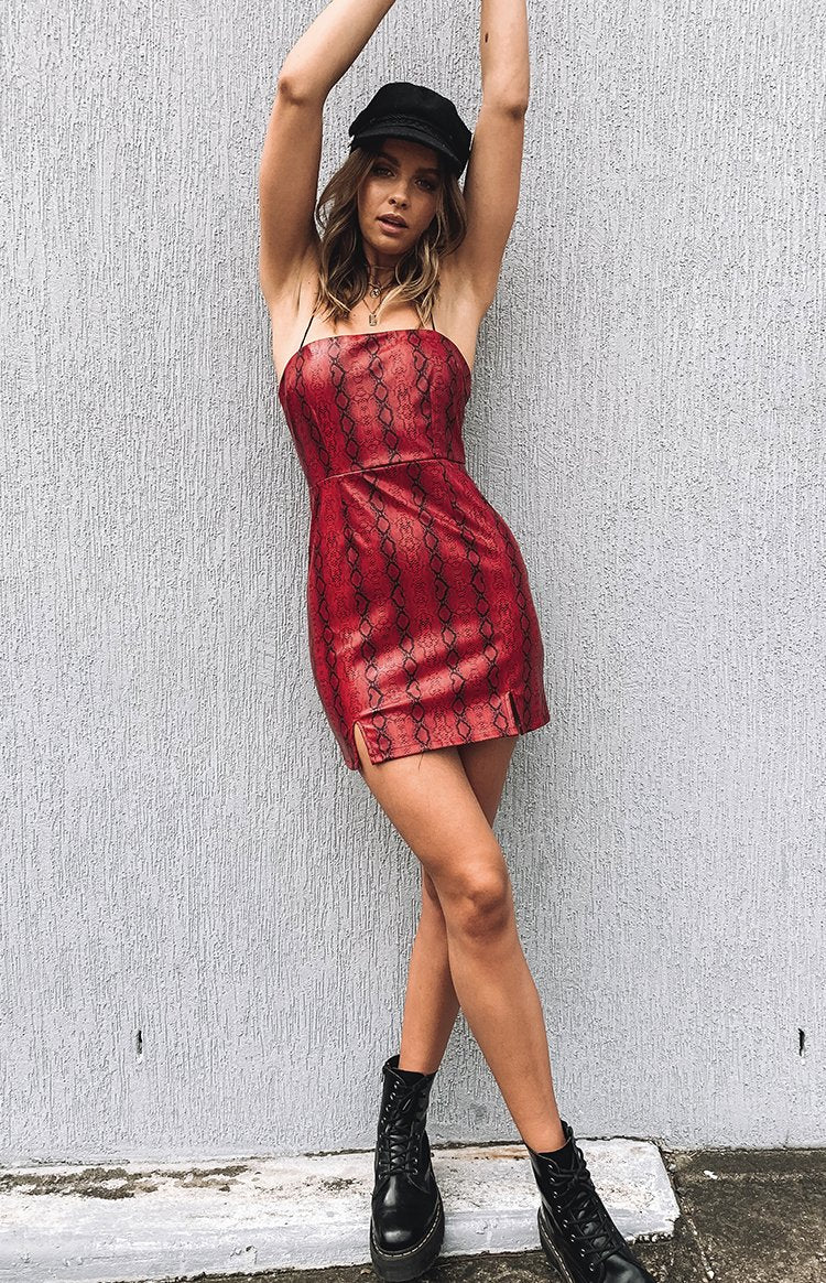 https://files.beginningboutique.com.au/Electric+Heart+Dress+Red+Snake.mp4