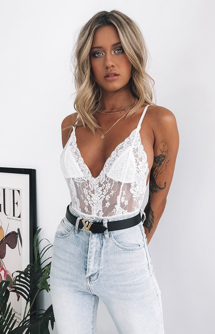 https://files.beginningboutique.com.au/Valentine+Bodysuit+White.mp4