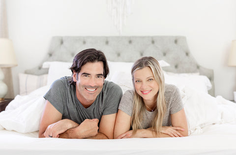 Amy Smart and Carter Oosterhouse mattress