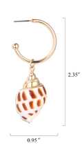Load image into Gallery viewer, Ventanas Shell Earrings