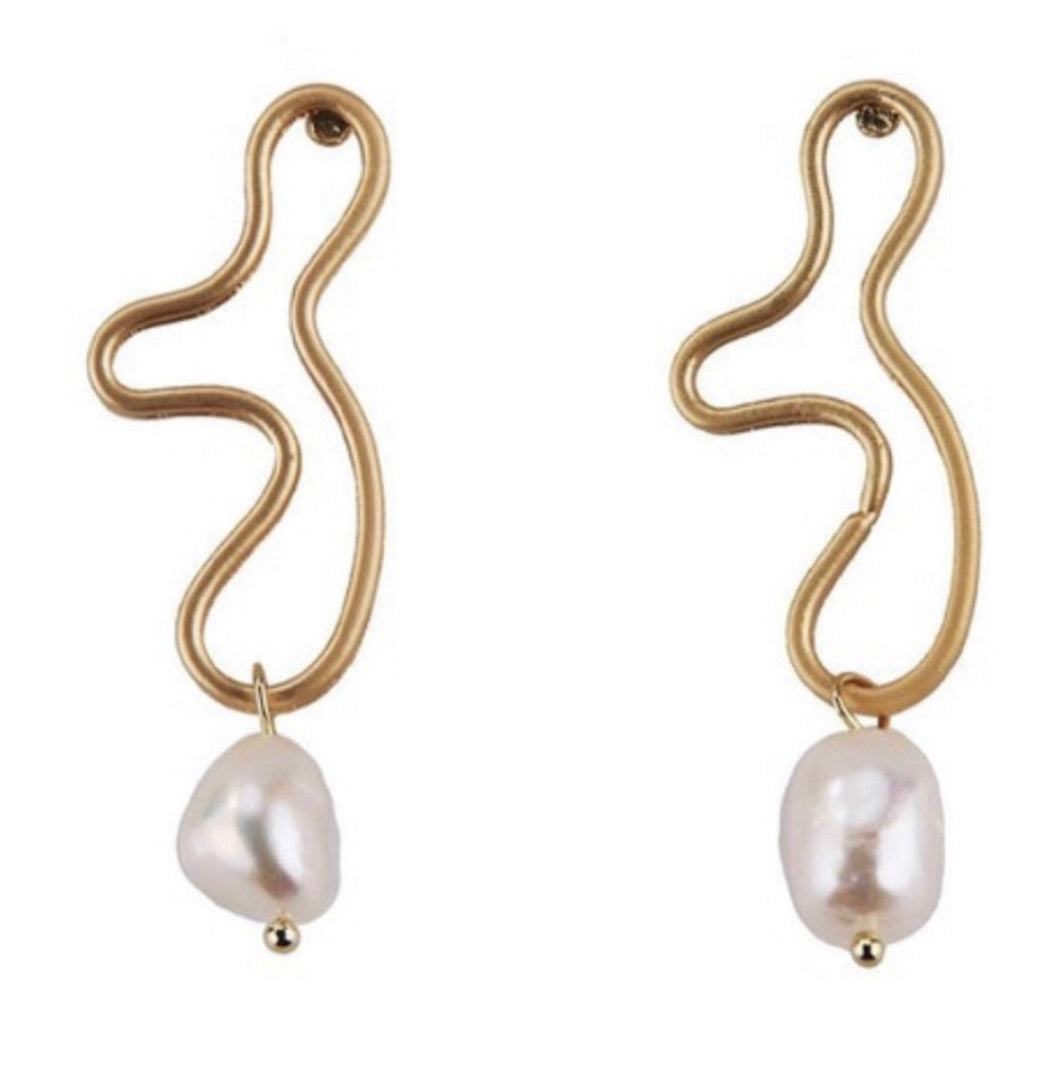 Iris Pearl Earrings