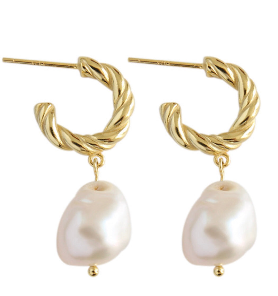 Seychelles Pearl Earrings