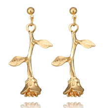Load image into Gallery viewer, English Rose Earrings