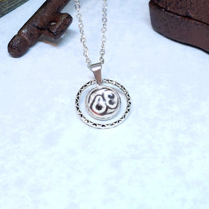88 Butterfly Small Circle Necklace - The Steampunk Butterfly