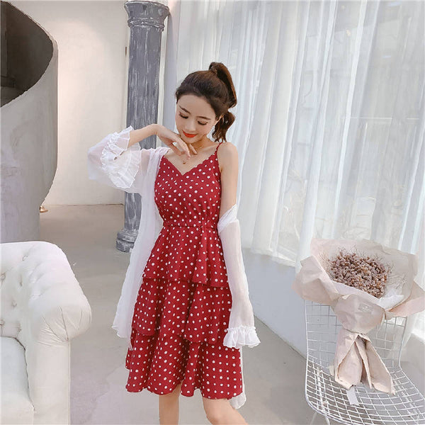Women's 2020 new Korean version of French V-neck design feeling condole belt cake skirt wave floral dress