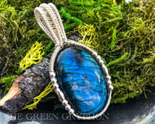 Load image into Gallery viewer, Myrddin Pendant - The Green Gryphon