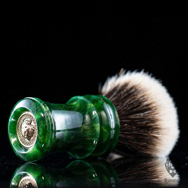 "Handmade Shaving Brush ""Verdelite"" in polished green and gold resin"