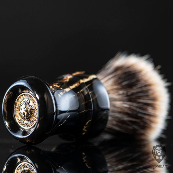 "Handmade shaving brush ""Carrera"", with natural fiber and mixed black handle."