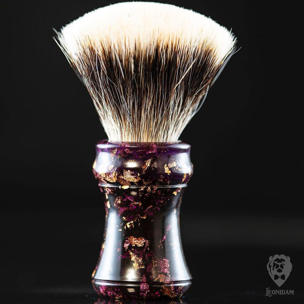 "Handmade Shaving Brush ""Cardinal"" in polished purple resin and gold flakes"