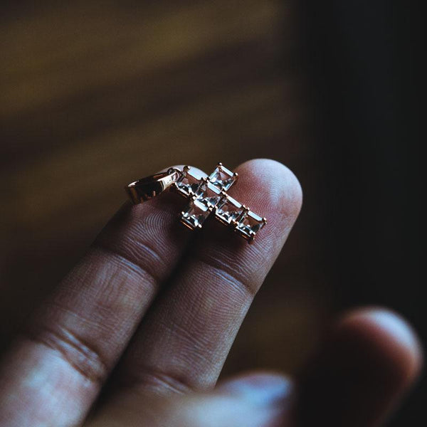 Micro Quartz Cross Rose Gold