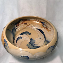 Load image into Gallery viewer, Moorcroft bowl