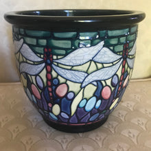 Load image into Gallery viewer, Moorcroft planter