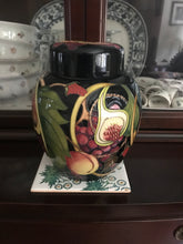 Load image into Gallery viewer, Moorcroft vase