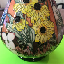Load image into Gallery viewer, Moorcroft