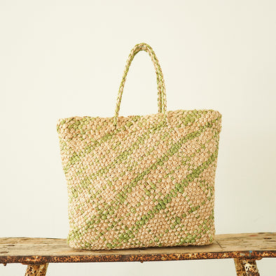 Diagonally knitted square tote