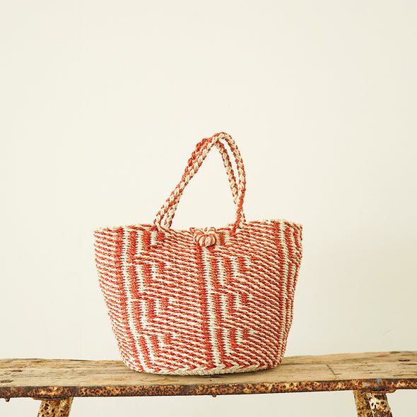 Round shape tote bag with design