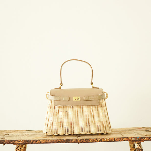 Wicker  hand  bag