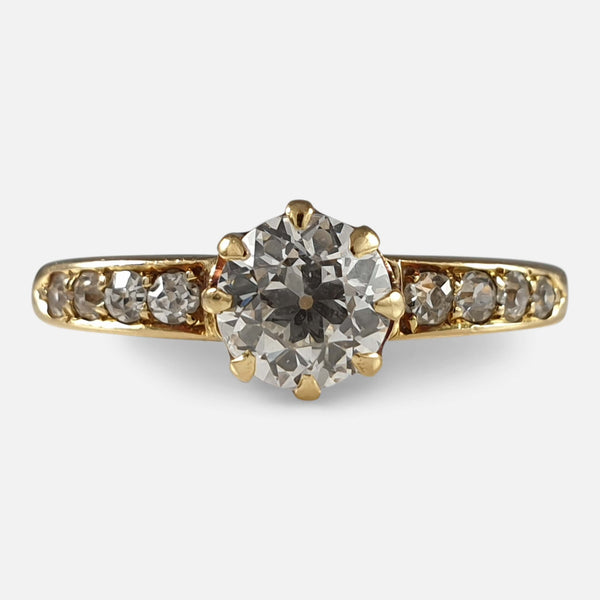 1910s  18ct gold diamond solitaire ring viewed from the front
