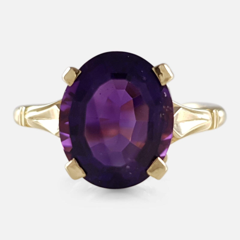 the 1980s 18ct Gold Amethyst Solitaire Ring viewed from the front