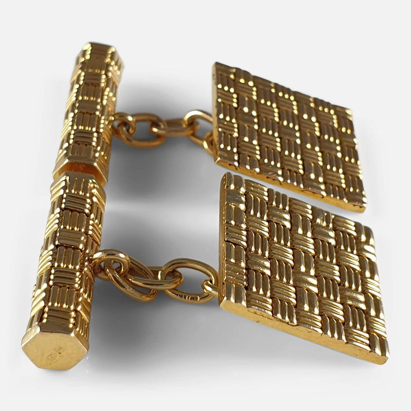 18ct Yellow Gold Square Panel Chain Link Cufflinks, London, 1960s viewed from the left side
