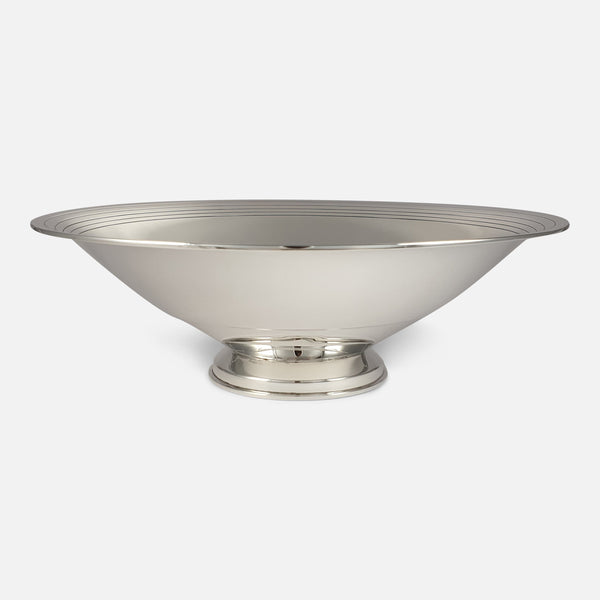 Art Deco Sterling Silver Fruit Bowl, Goldsmiths & Silversmiths Co., London, 1934 viewed from the front