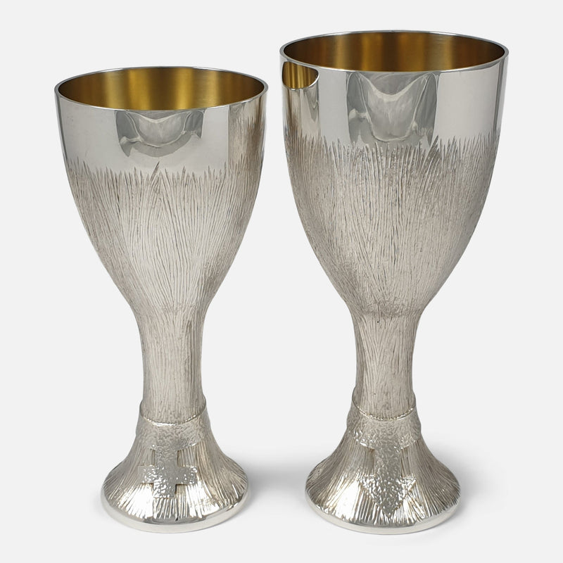 both cups standing side by side facing forward
