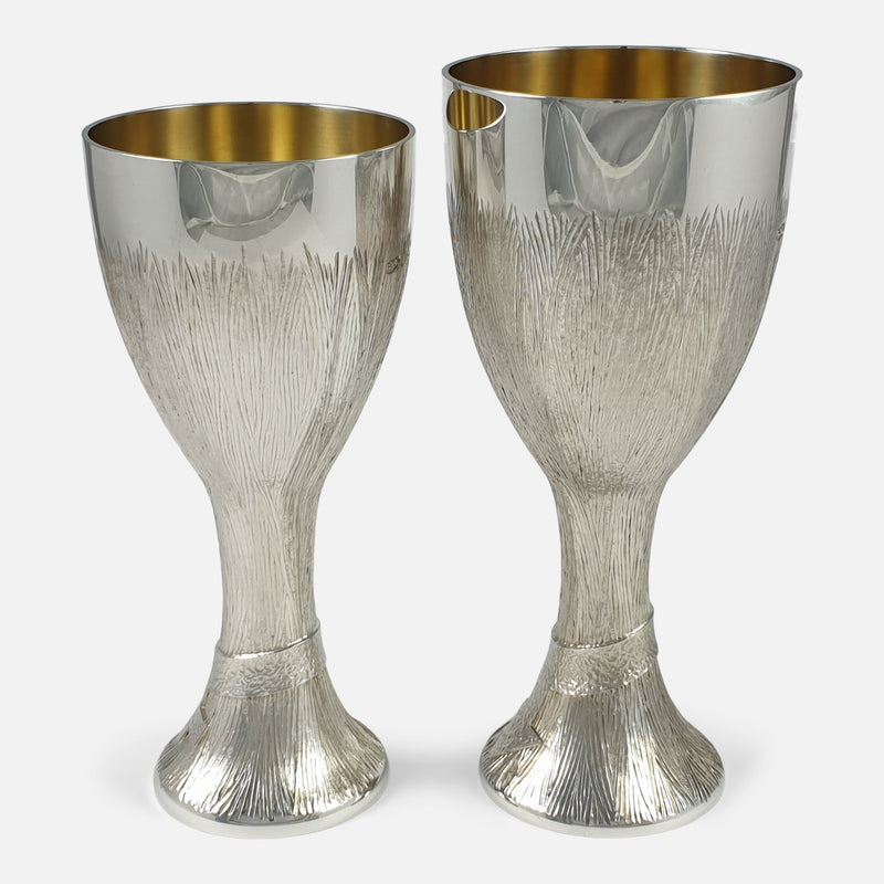 a side on view of the two cups