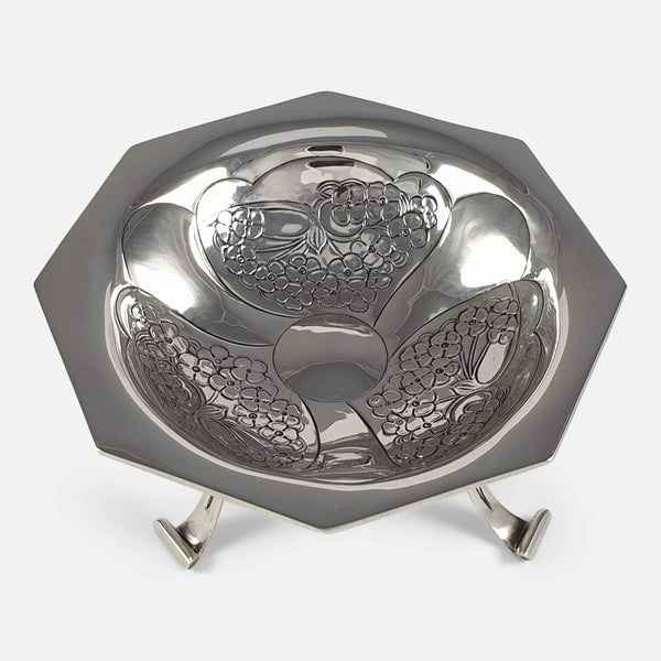 the Edwardian silver Tazza designed by Kate Harris viewed from above