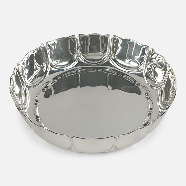 the Edwardian Sterling Silver Strawberry Dish viewed from above