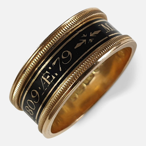 George III 18ct Gold and Enamel Memorial Mourning Band Ring, 1809 viewed from the front