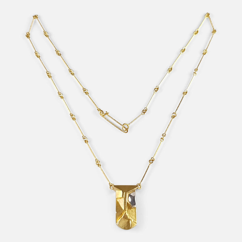 the Lapponia 14ct gold pendant necklace viewed from the front