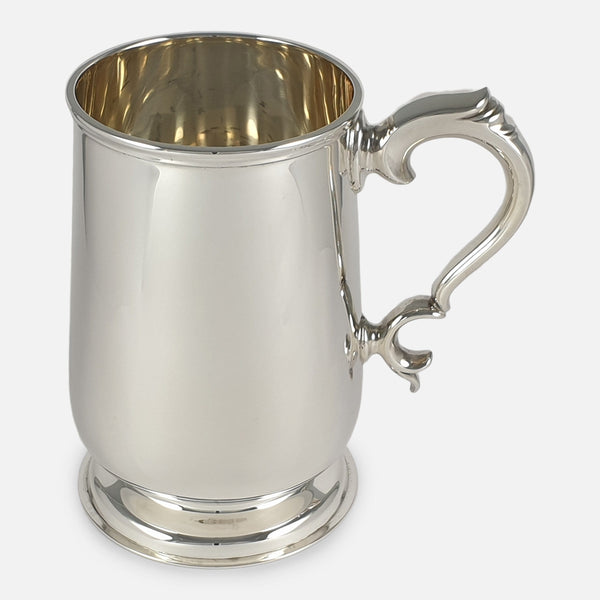 the sterling silver pint tankard viewed side on