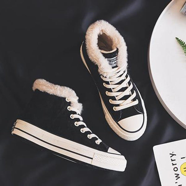 Converse en su¨¨de ¨¤ lacets d¨¦contract¨¦es