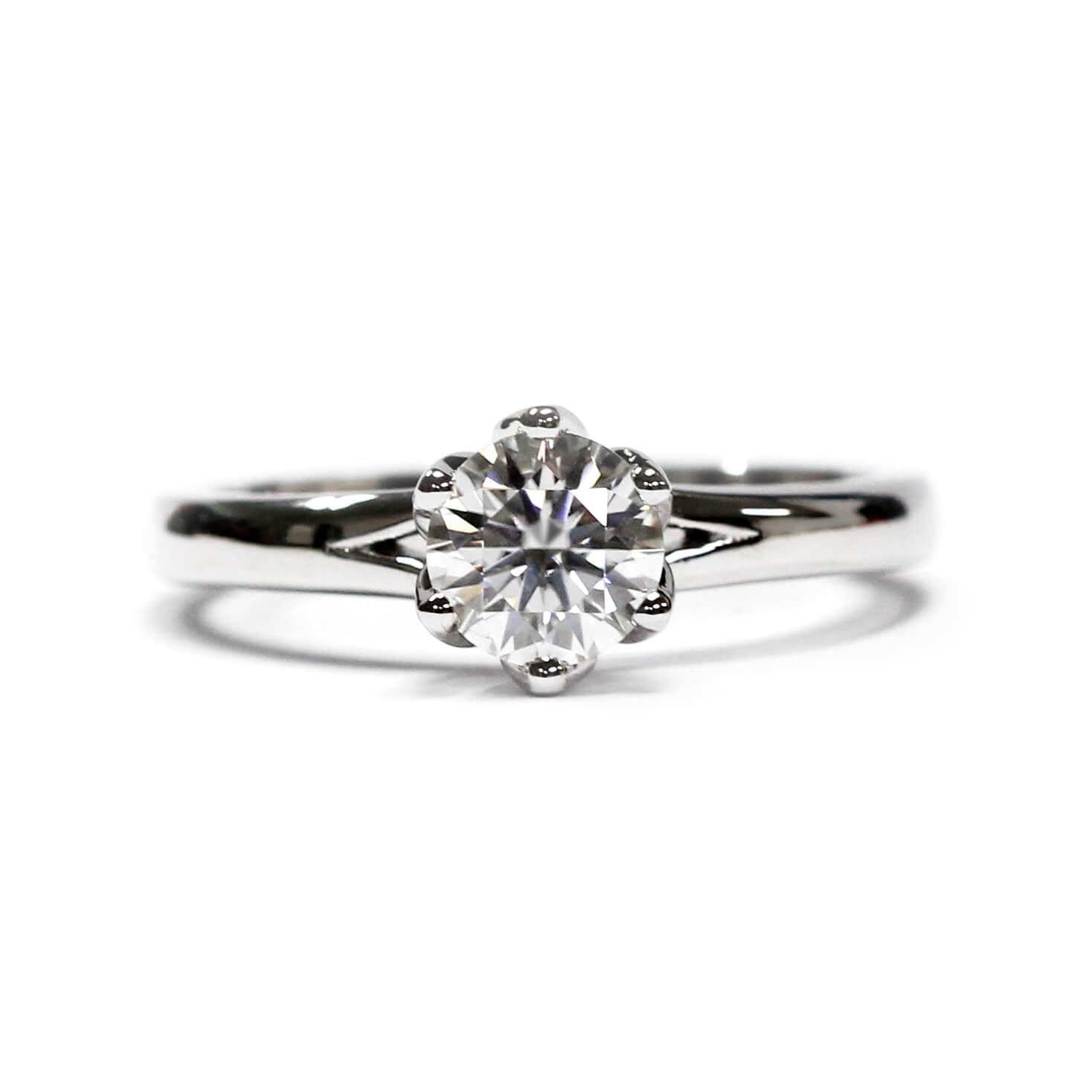 Ready-Made | Eleanor 1 Carat Moissanite Solitaire with Flower Petal Setting | Sizes HK 9-12 - LeCaine Gems