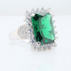Fantasia Green Rectangle Ring