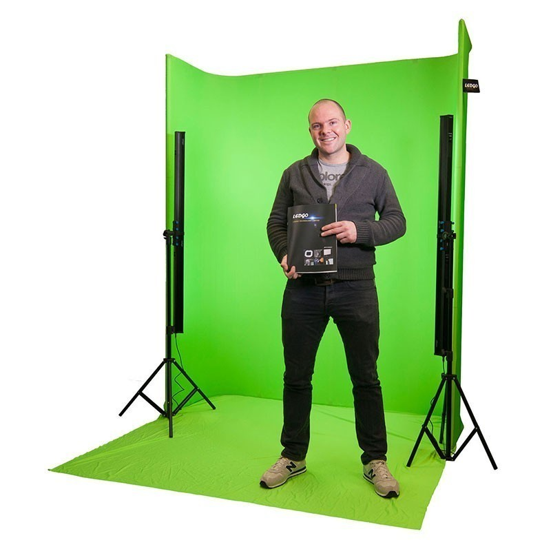 Self-standing Green Screen with 4 LED strip lights