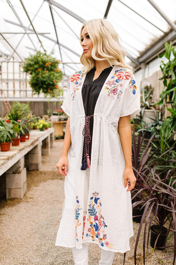 Ave Shops Womens Divine Embroidered Kimono