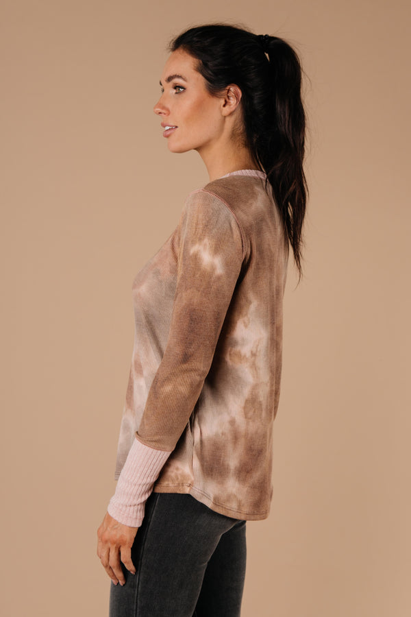 Ave Shops Womens New Neutrals Tie Dye Top