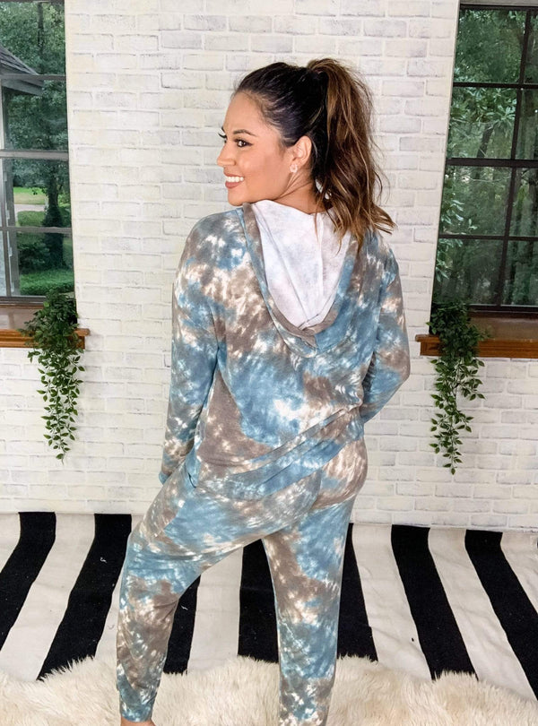 White Birch Top Blissful Blue Tie Dye Lounge Set