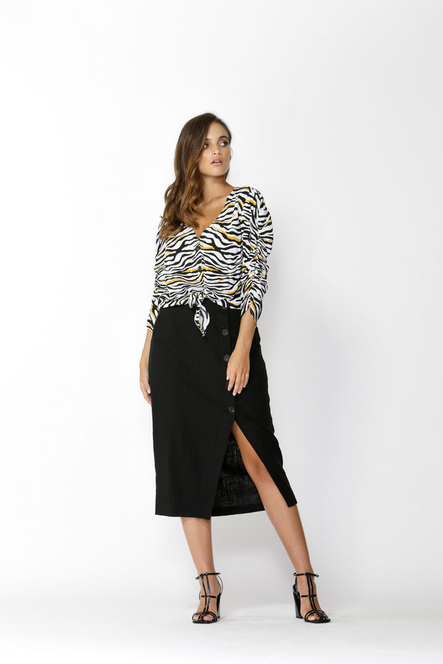 Into The Wild Buttoned Skirt Black