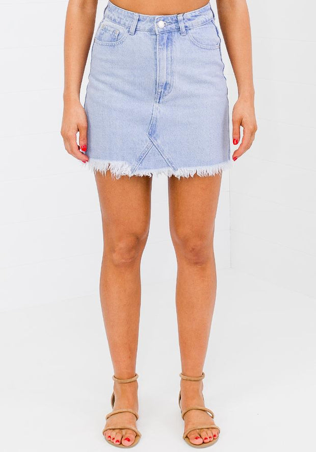 Izzy Fray Hem Rigid Mini Skirt