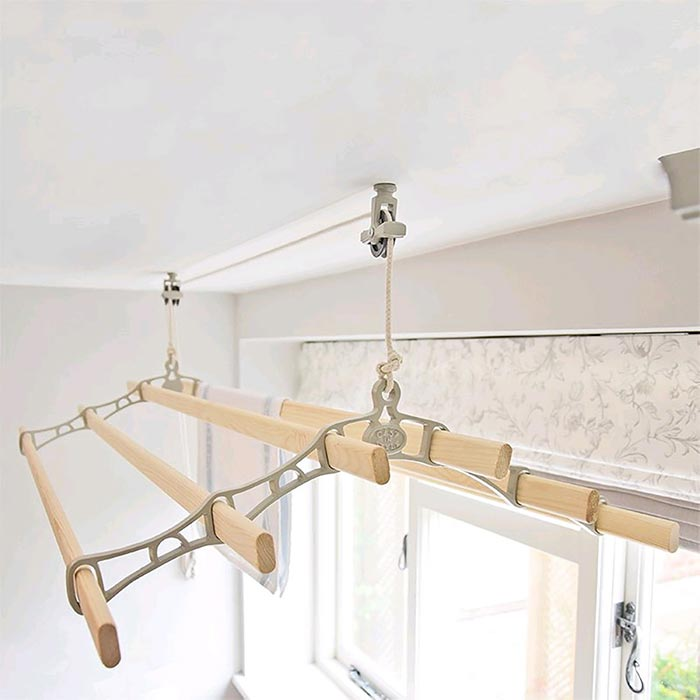 Victorian style traditional ceiling clothes dryer