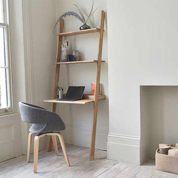 Leaning shelf Desk